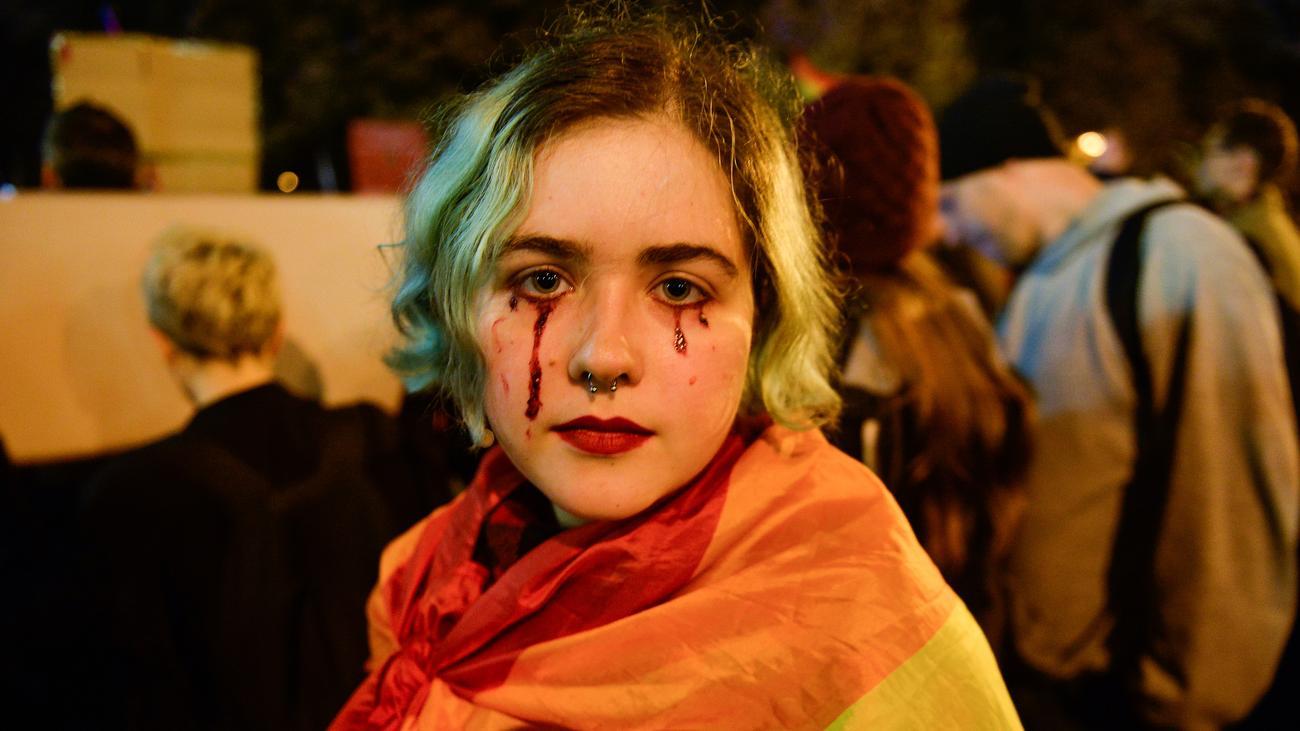 Warschau: Tausende Polen protestieren gegen Strafen für Sexualkunde-Unterricht