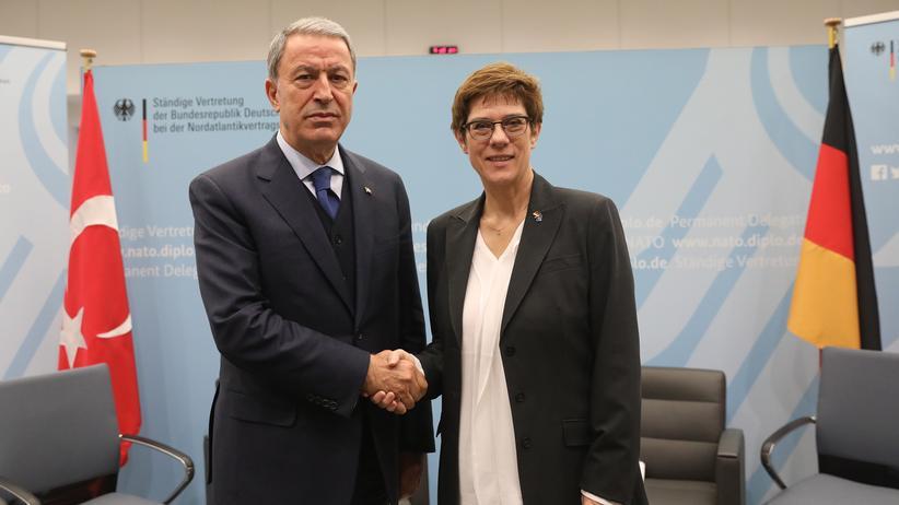 Annegret-Kramp Karrenbauer : Nato-Partner reagieren verhalten auf Plan für Syrien-Schutztruppe