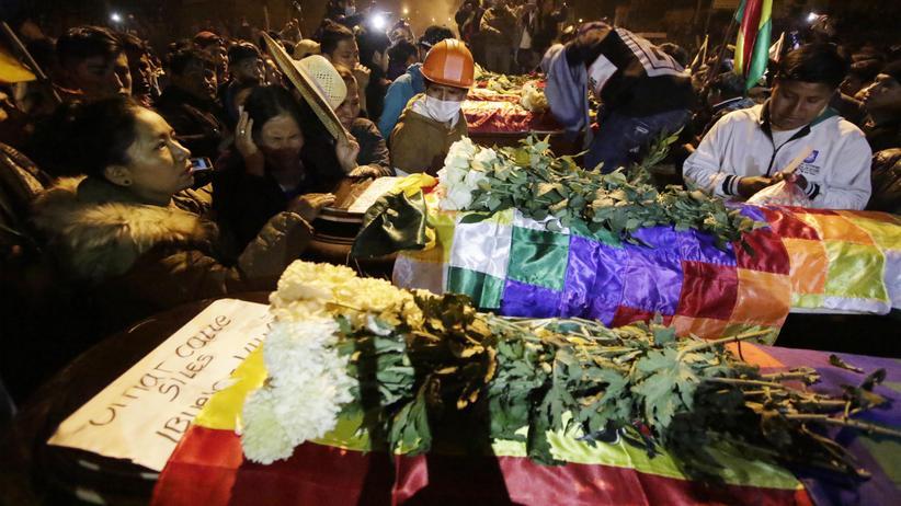 Bolivien: Sicherheitskräfte erschießen mehrere Morales-Anhänger