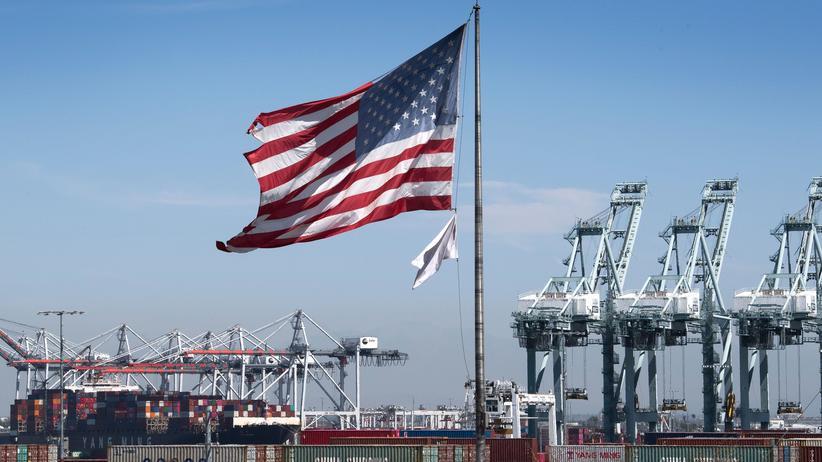Zollstreit: Hafen in Los Angeles: Importunternehmen können auf eine Entspannung im Handelsstreit hoffen.