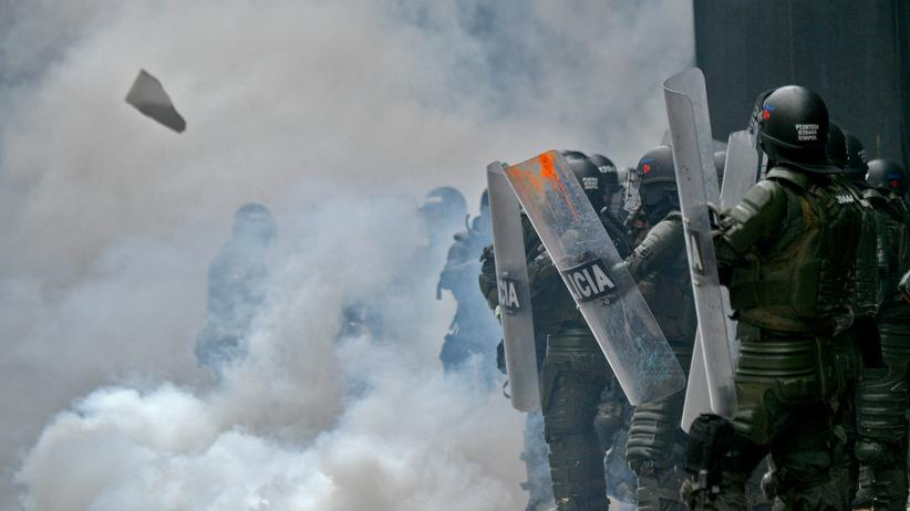 Ausschreitungen: Drei Tote bei Protesten gegen Regierung in Kolumbien