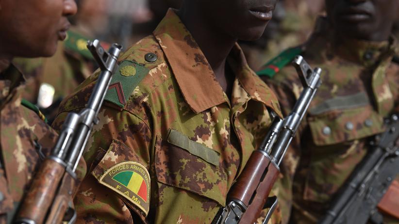 Mali: Islamisten attackieren Militärstützpunkt
