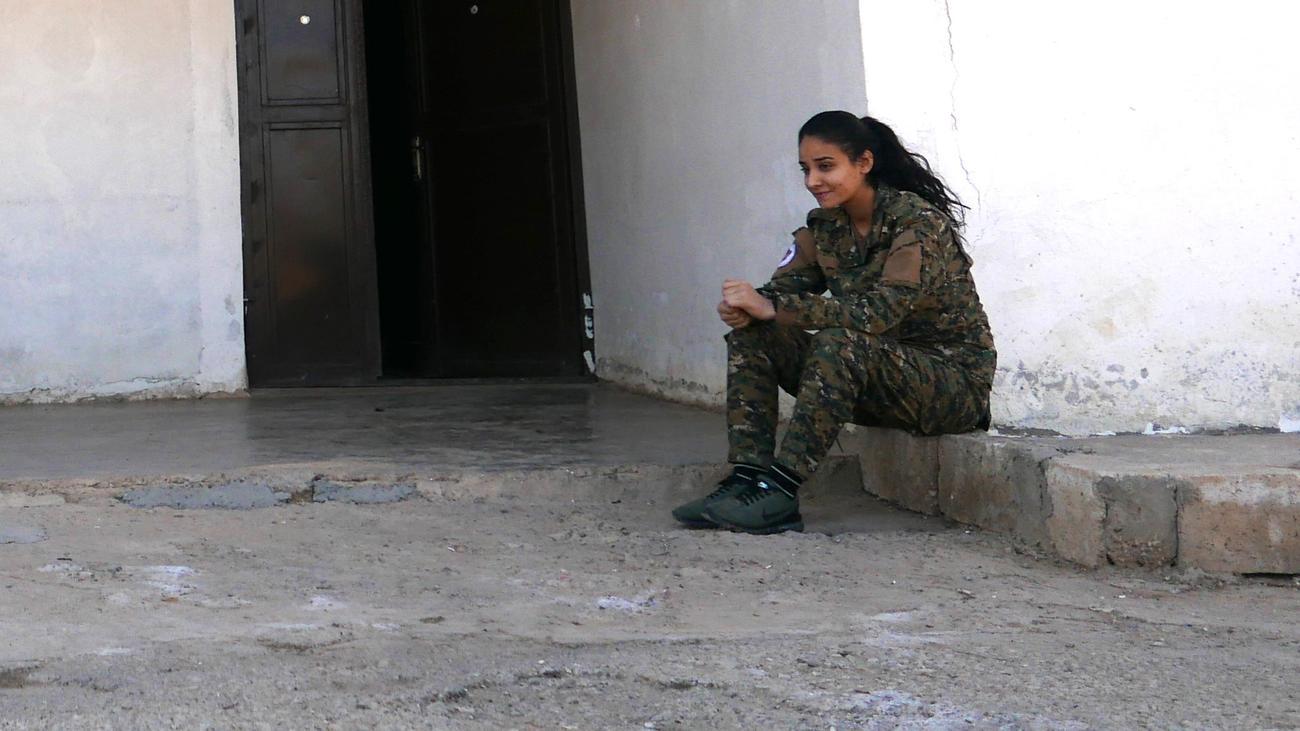 Nordsyrien: Die christlichen Kämpferinnen von Tell Tamer