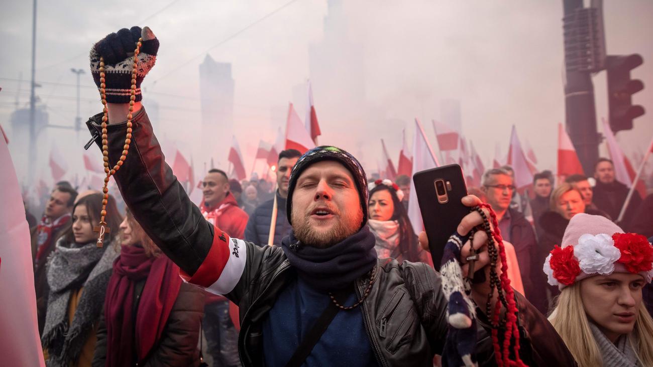 Polen: Zehntausende Teilnehmer bei rechtsextremem Aufmarsch