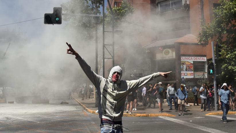 Chile: Die Einkommensunterschiede und Lebenshaltungskosten in Chile sind hoch – dagegen protestieren seit Wochen Tausende Menschen.