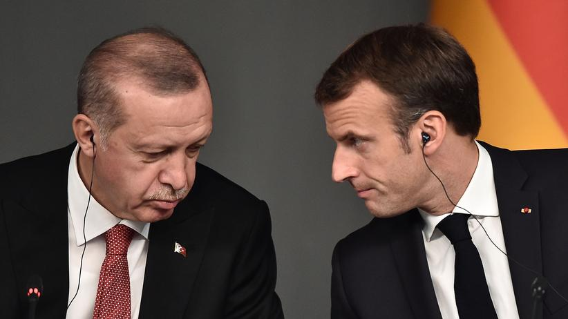 Nordsyrien: Der türkische Präsident Recep Tayyip Erdoğan bei einem Treffen mit seinem französischen Amtskollen Emmanuel Macron im vergangenen Jahr