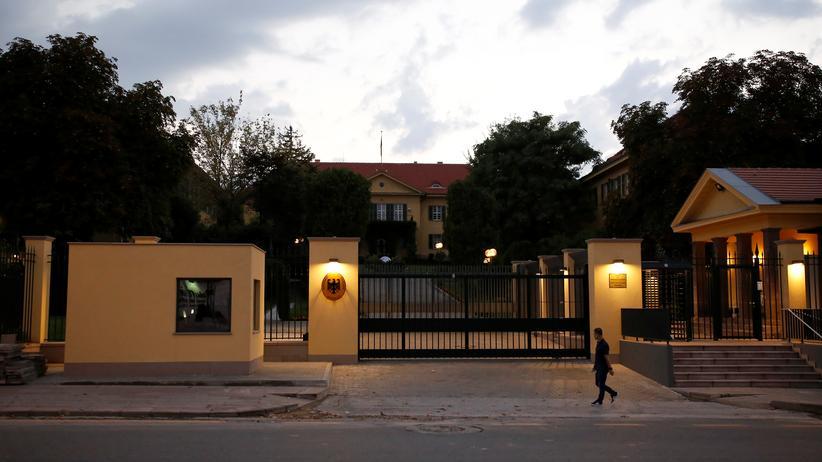 Spionagevorwurf: Der Eingang zur deutschen Botschaft in Ankara (Archiv)