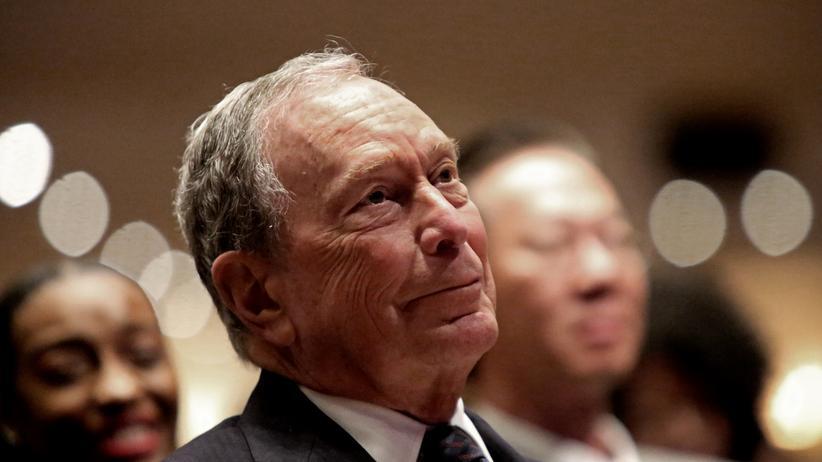 """US-Demokraten: Bernie Sanders wirft Michael Bloomberg vor, US-Wahl zu """"kaufen"""""""