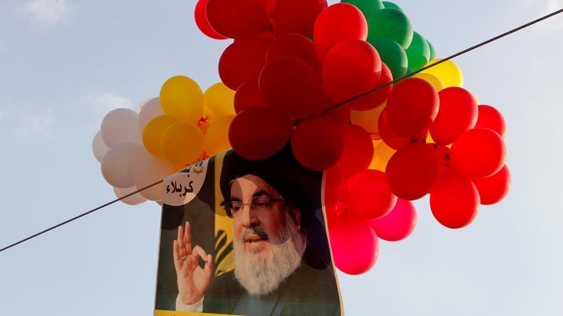 Terrormiliz: Bild des libanesischen Hisbollah-Führers Hassan Nasrallah: In Deutschland könnten derartige Darstellungen bald verboten sein.