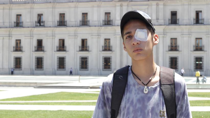 Chile: Der Schüler Edgardo Valdés vor dem Regierungspalast in Santiago de Chile