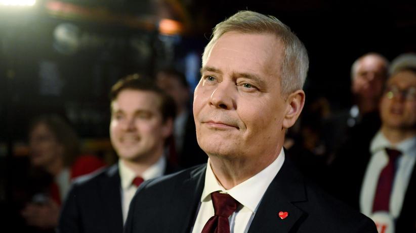 Finnland: Der finnische Ministerpräsident Antti Rinne, hier im April bei einer Wahlparty zu sehen, ist zurückgetreten.