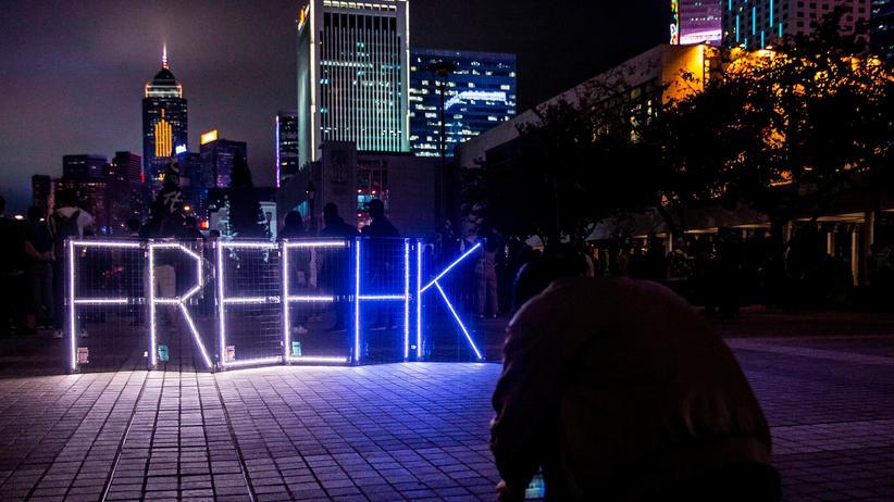 Proteste: Hongkong sagt städtisches Feuerwerk aus Sicherheitsgründen ab