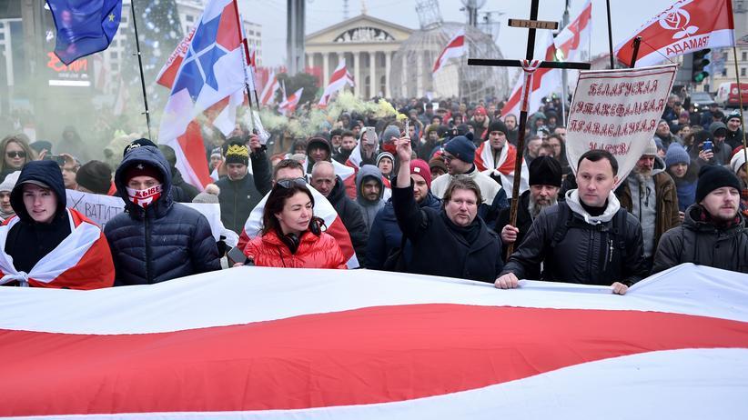 Minsk: Hunderte Menschen protestieren gegen Annäherung an Russland