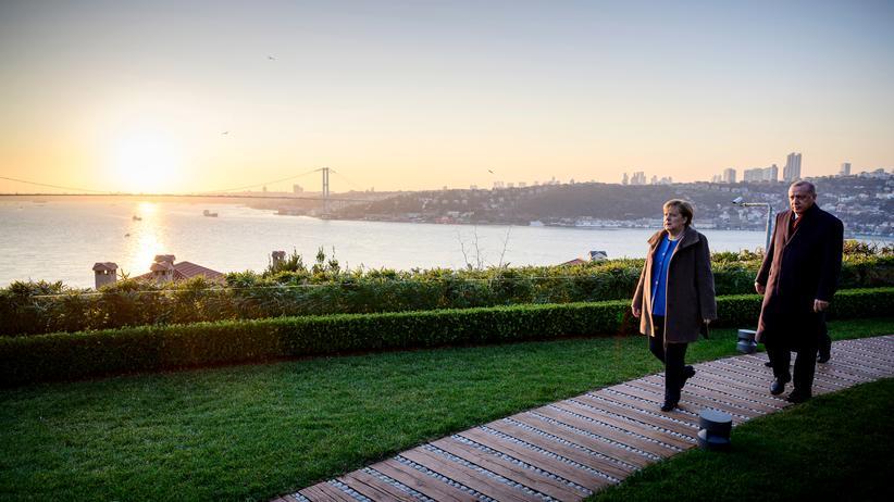 Angela Merkel und Recep Tayyip Erdoğan: Deine Flüchtlinge, meine Flüchtlinge