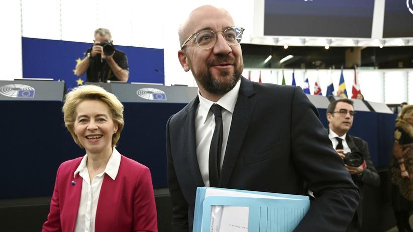 Großbritannien: EU-Kommissionspräsidentin Ursula von der Leyen und Ratspräsident Charles Michel im Europaparlament in Strasburg