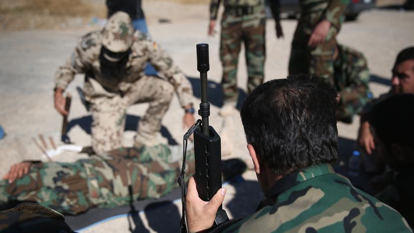Bundeswehreinsatz: Annegret Kramp-Karrenbauer will Anti-IS-Mission fortsetzen