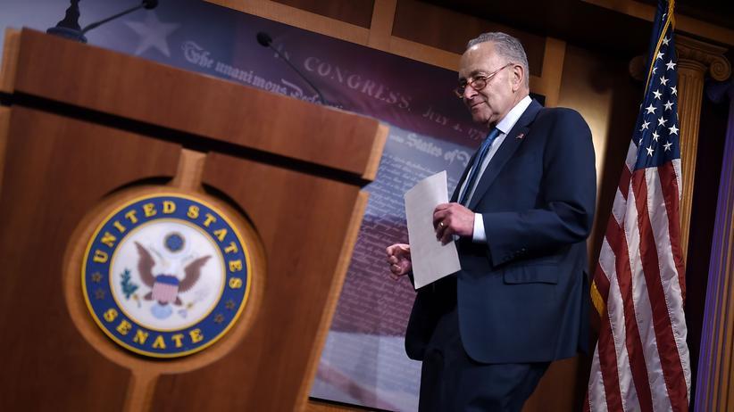 Impeachment-Verfahren: Der Minderheitsführer der US-Demokraten im Senat, Chuck Schumer, sagte, jeder Senator müsse nun entscheiden, ob das Verfahren der Wahrheitssuche oder dem Wunsch Trumps nach Vertuschung dienen solle.