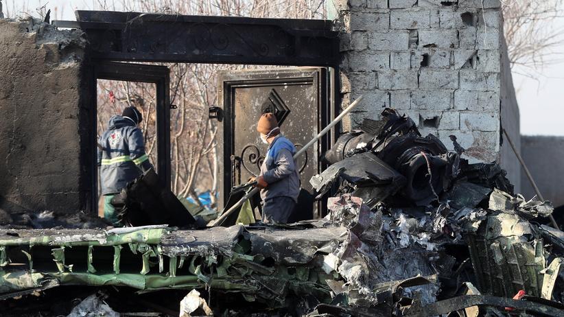Iran: Überreste des abgeschossenen Flugzeugs nahe Teheran