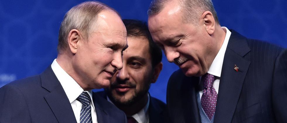 Bürgerkrieg: Erdoğan und Putin rufen zu Waffenruhe in Libyen auf