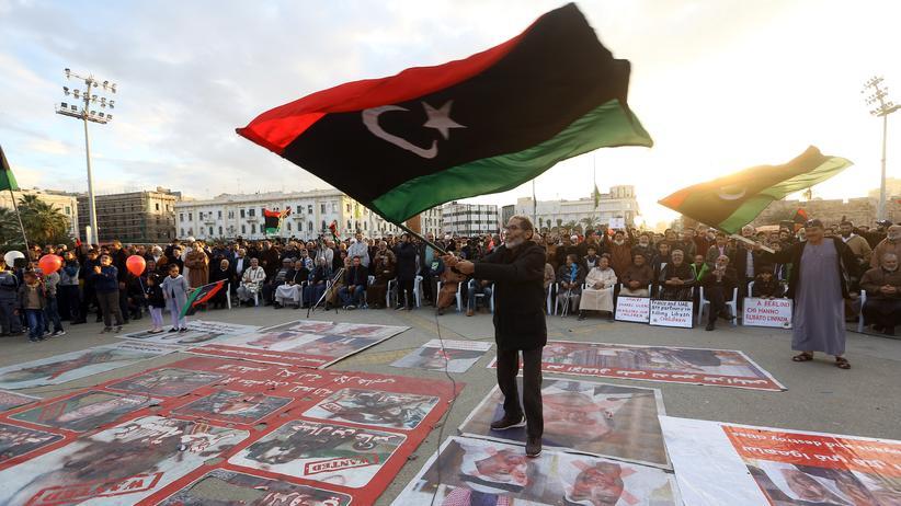 Libyen: General Chalifa Haftar stimmt Waffenruhe zu