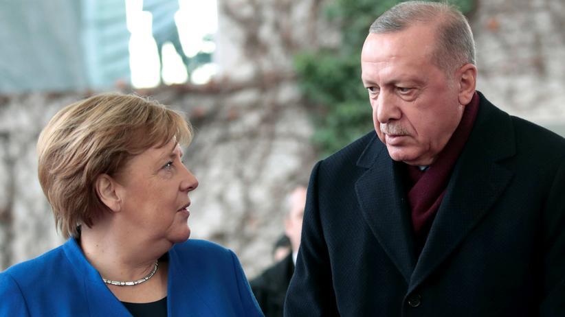 """Angela Merkel bei Recep Tayyip Erdoğan: """"Die EU darf sich von Erdoğan nicht erpressen lassen"""""""