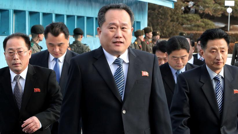 Nordkorea: Ri Son Gwon als Anführer einer nordkoreanischen Delegation im Friedensdorf Panmunjeom