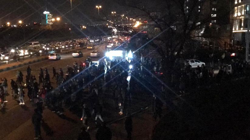 Teheran: Tausende protestieren gegen iranische Regierung