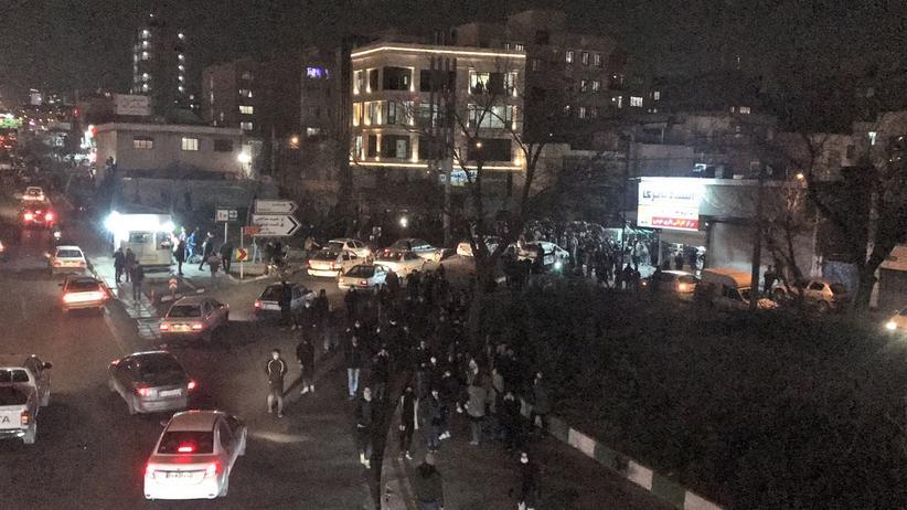 Proteste: Videos sollen Polizeigewalt gegen Demonstranten im Iran zeigen