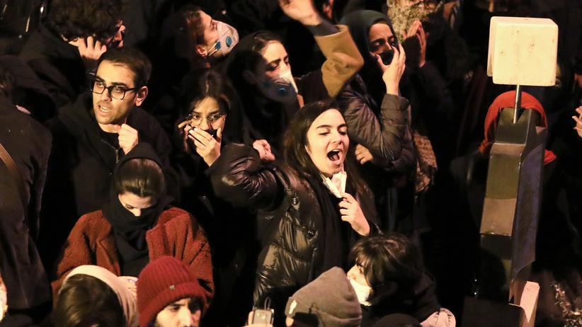 Teheran: Britischer Botschafter dementiert Teilnahme an Protesten
