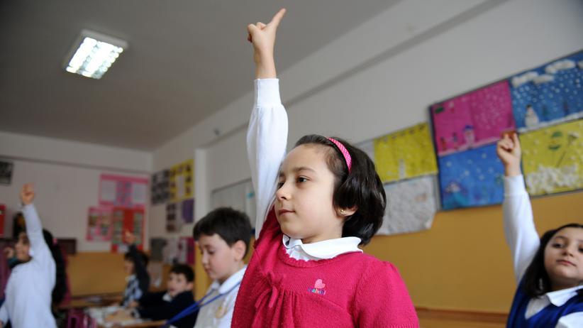 Bildung: Die Regierung Deutschlands und der Türkei arbeiten an einem Abkommen, das den rechtlichen Rahmen für die Bildung türkischer Auslandsschulen regeln soll.