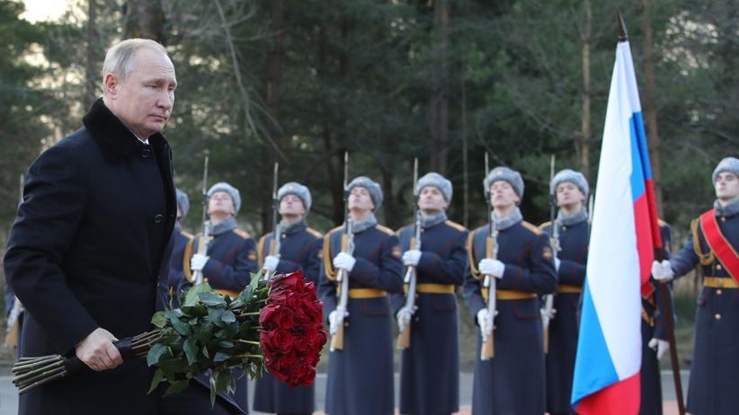 Wladimir Putin: Russlands Präsident Wladimir Putin bei einer Gedenkveranstaltung zum 75. Jahrestag des Endes der Leningrader Blockade