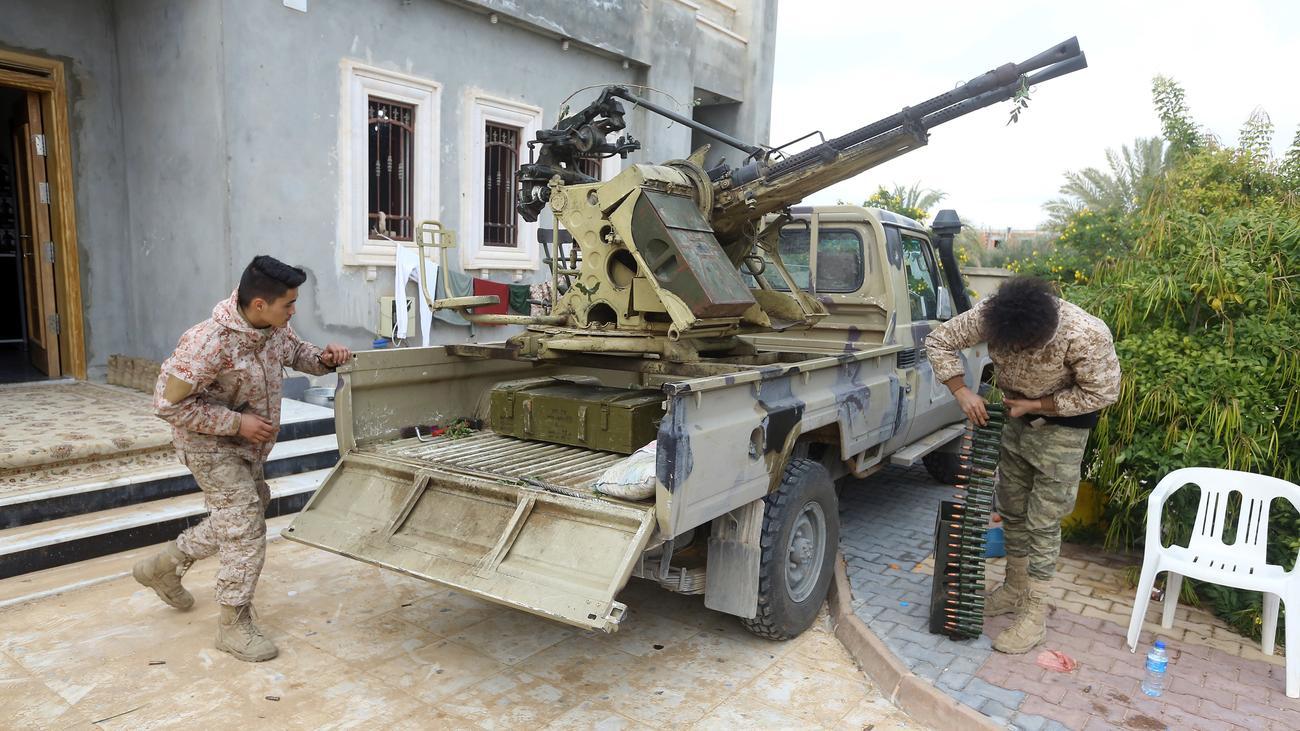 Bürgerkrieg : Libysche Konfliktparteien stoppen Friendengespräche nach Angriff