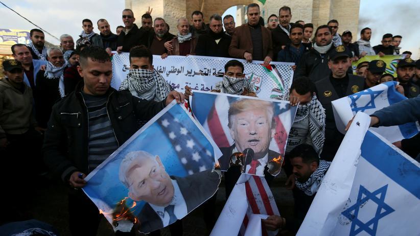 Nahost-Friedensplan: Palästinenser demonstrieren gegen den Nahost-Fridensplan von US-Präsident Donald Trump.