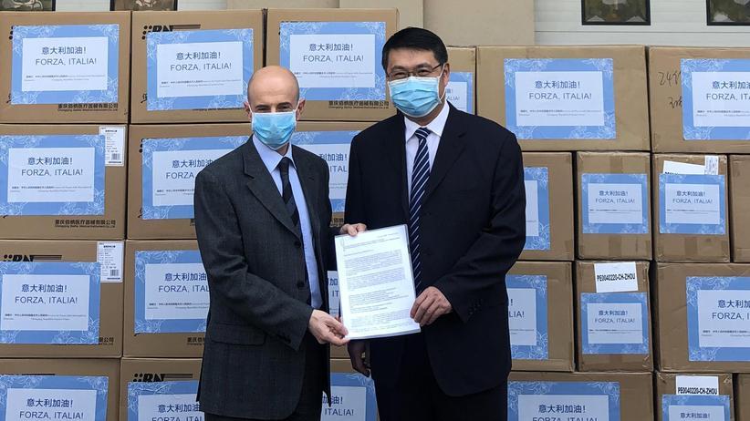 Coronakrise: China hilft Italien mit einer Lieferung Schutzmasken