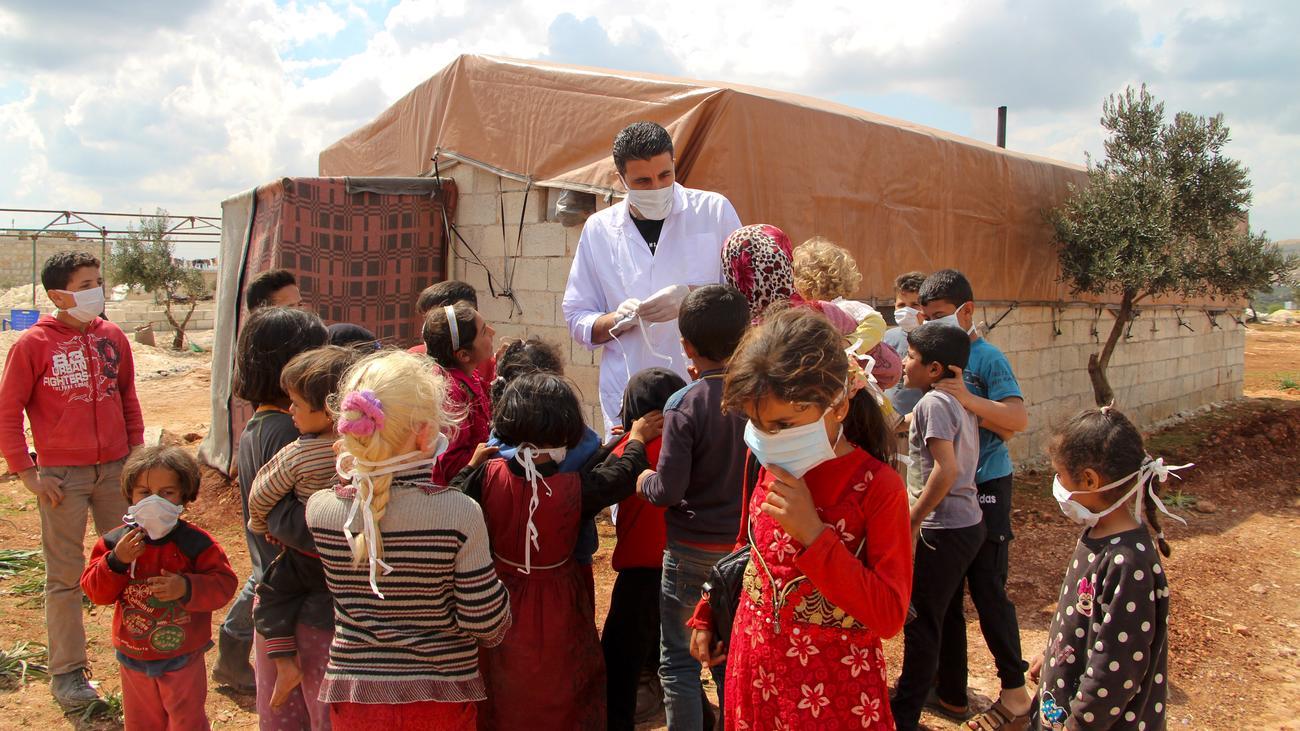 """Coronavirus in Syrien: """"In einem Zelt leben bis zu 15 Menschen"""""""