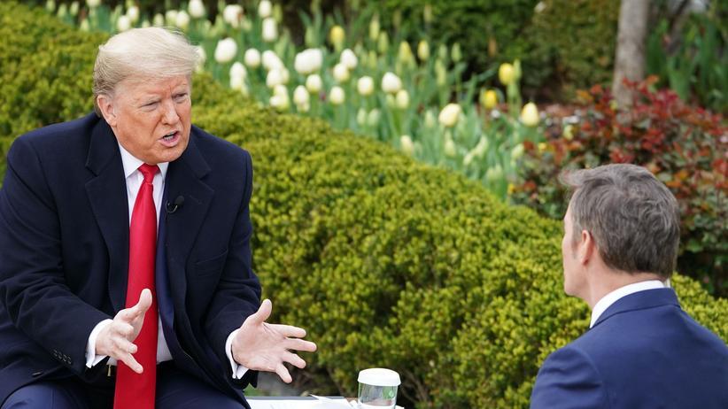 Donald Trump: US-Präsident Donald Trump stellt sich im Rosengarten des Weißen Hauses den Fragen von Fox-News-Moderator Bill Hemmer und der Zuschauenden zur Corona-Krise.