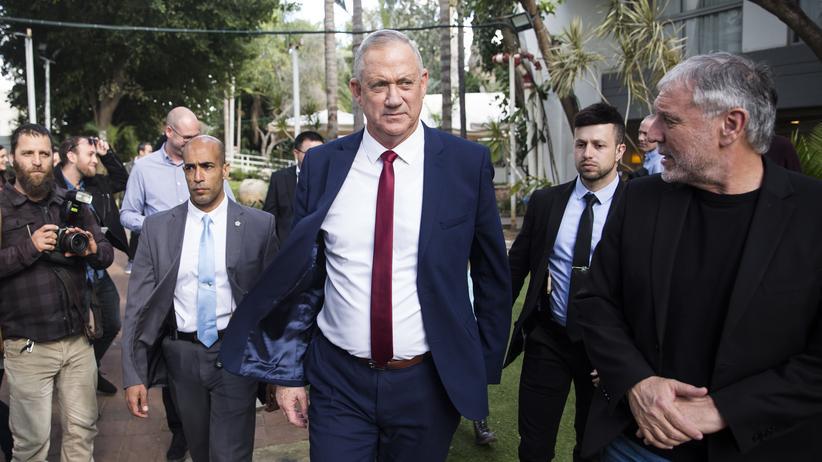 Wahl in Israel: Benny Gantz hatte bei vorherigen Versuchen der Parlamentswahl wegen Korruptionsvorwürfen gegen Benjamin Netanjanu eine Regierungsbildung abgelehnt.