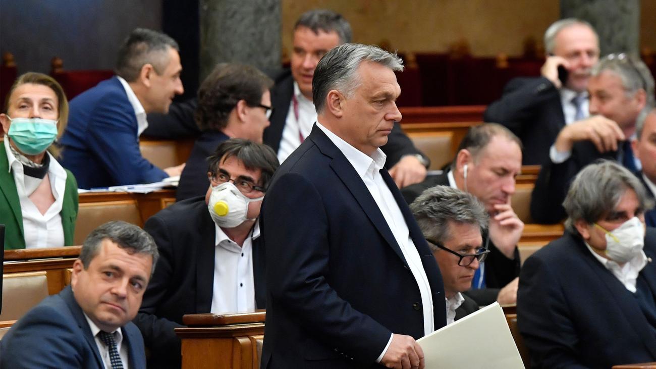 EU-Kommissionspräsidentin: Von der Leyen kritisiert ungarisches Notstandsgesetz