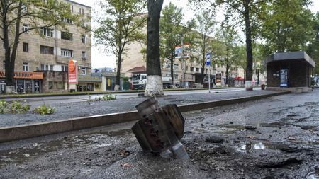 Kaukasus Wladimir Putin Fordert Waffenstillstand In Bergkarabach Zeit Online