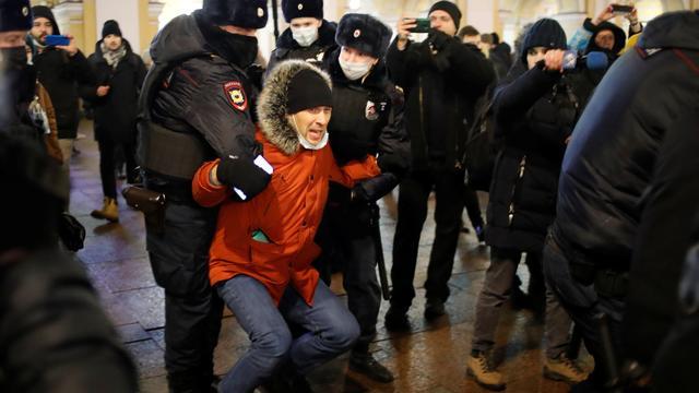 Russland: Behörden gehen hart gegen Opposition vor – Nawalny-Vertraute in Haft