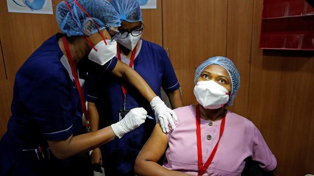 """Coronavirus weltweit: WHO sieht """"moralisches Versagen"""" der reichen Staaten bei Impfungen"""