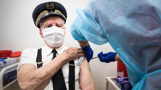 Coronavirus weltweit: Polen verimpft AstraZeneca an Menschen bis 69