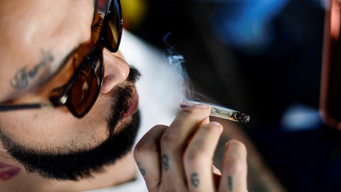 Rauchen Weed bekommen Kopf