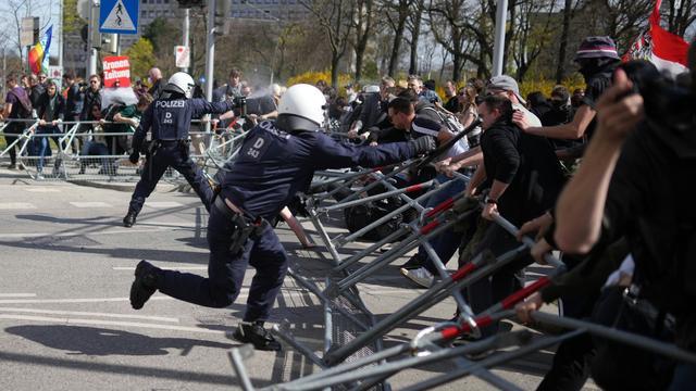 Coronavirus weltweit: Proteste in Österreich, Polen und Finnland