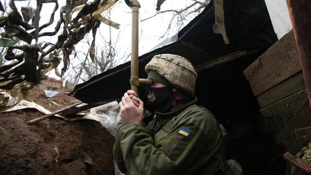 Ukraine-Krise: Angela Merkel und Joe Biden fordern Rückzug russischer Truppen