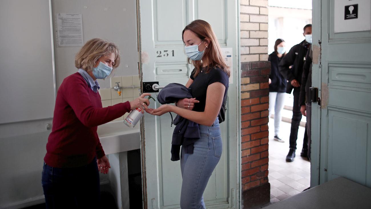 Coronavirus weltweit: Frankreich lockert Ausgangsbeschränkungen