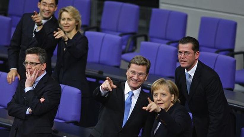 Ausblick 2010: Wohin geht die Reise? Merkel und ihre Minister bei ihrer Vereidigung am 28. Oktober