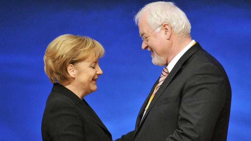 Steuerstreit: Einigung zwischen Merkel und Carstensen absehbar