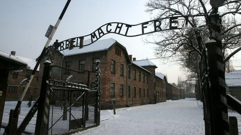 Deutschtürken und der Holocaust: Von türkischen Immigranten nur selten besucht: Eingang zum ehemaligen Konzentrationslager Auschwitz