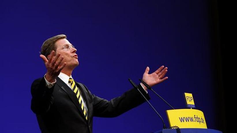 FDP: Die Welt hat sich dramatisch verändert: Aber FDP-Chef Guido Westerwelle singt immerzu das ewig gleiche Lied von den Steuersenkungen